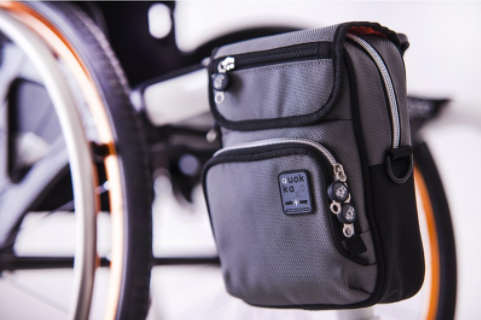 Diapo 5 : Sacoche pour fauteuil roulant (coté).