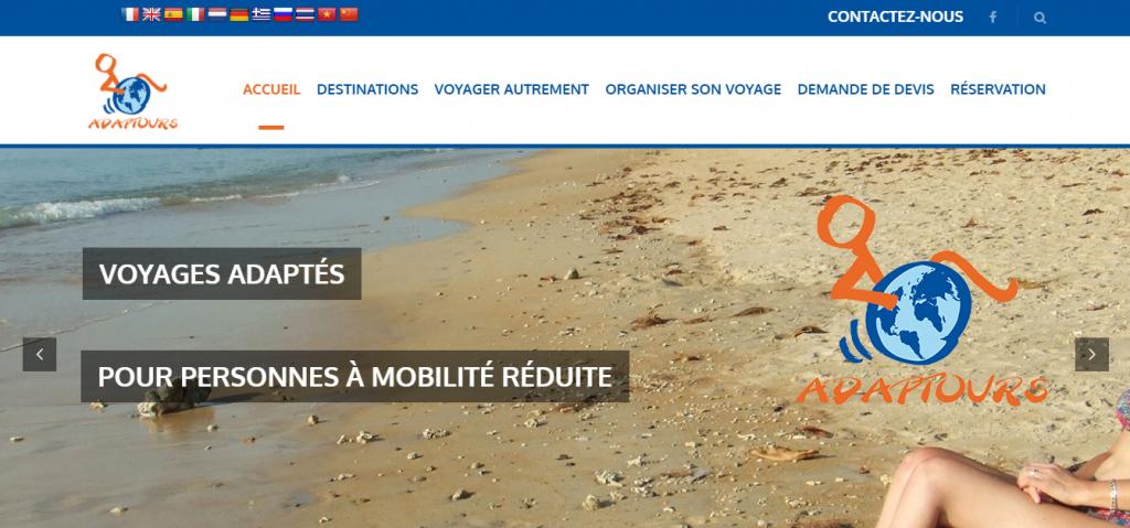 Diapo 2 : Page d'accueil du site Adaptours.fr. Légende: 'voyages adaptés pour personnes à mobilité réduite'. Sous-menus: 'accueil' 'destinations' 'voyager autrement' 'organiser son voyage' ' demande de devis' 'réservation'