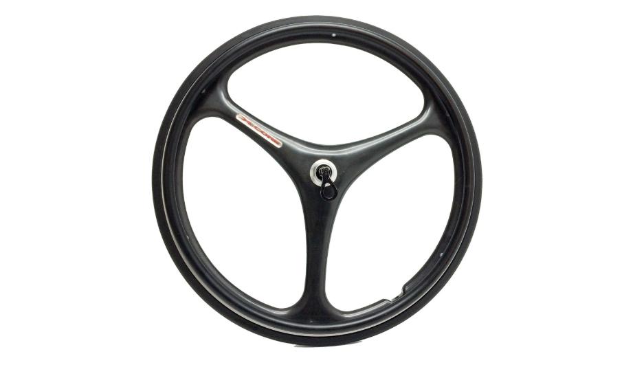 Diapo 3 : Roue Jantes à pneu lisse.