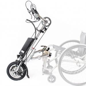 Handbike Dragonfly, attaché à un fauteuil roulant.