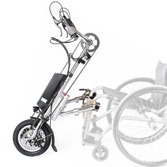 Diapo 4 : Handbike Dragonfly, attaché à un fauteuil roulant.