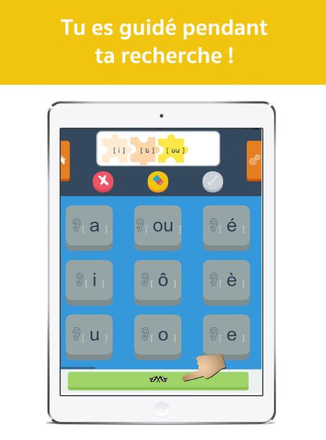 Diapo 3 : Smartphone affichant le clavier des sons de l'application Dicodys. Légende: 'Recherche les mots son par son'