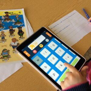 Image d'un enfant utilisant Dicodys sur une tablette