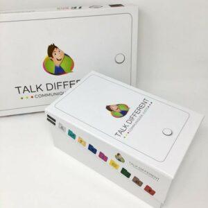 Photo de deux boites de Talk Different pour téléphone et tablette