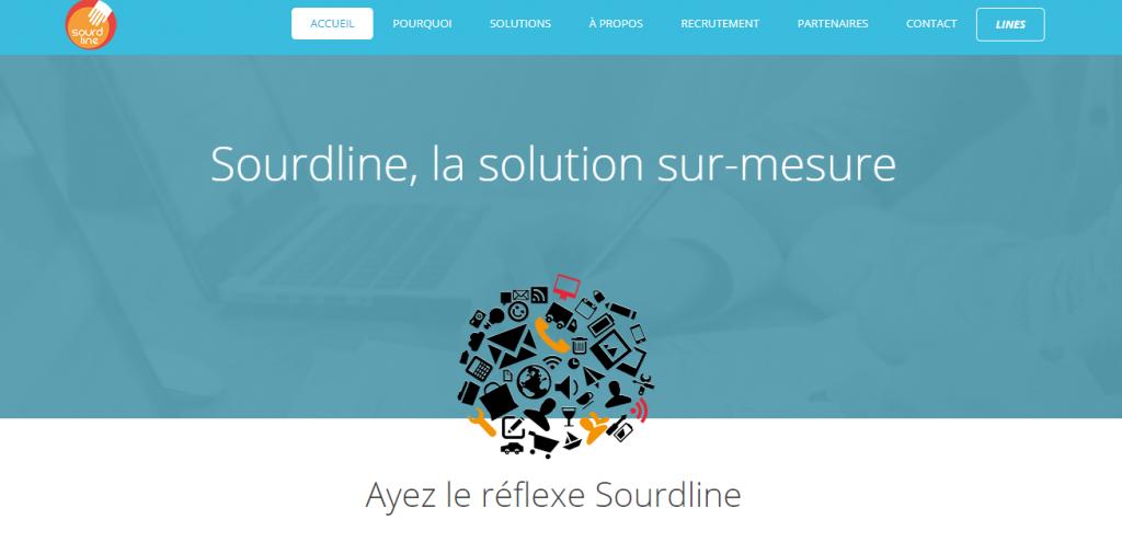 Diapo 2 : Page d'accueil de la Plateforme Sourdline, Centre de l'image: Logo de la Plateforme Sourdline, légende: ' Sourdine la solution sur-mesure  ayez le réflexe sourdline'. Haut de l'image: menu principal, options du menu principal: 'Accueil' ' Pourquoi' 'Solutions' 'Recrutement' 'Partenaires' 'Contacts' 'Lines' .