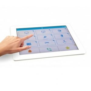 Tablette affichant l'interface de BJ Control +.
