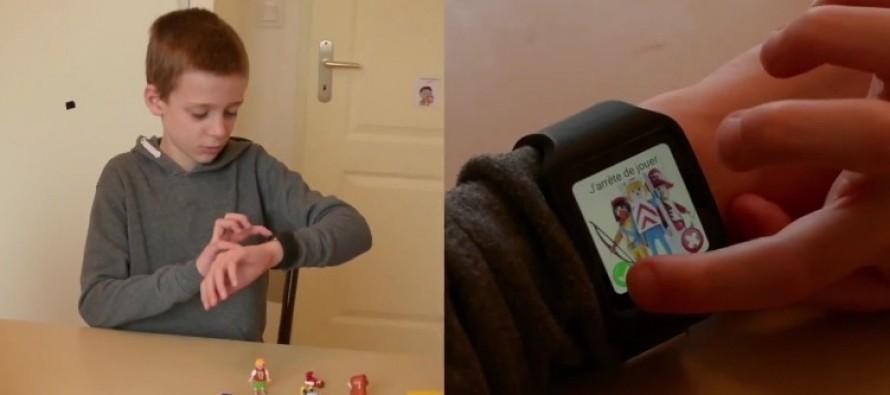 Diapo 2 : Gauche de l'image: enfant utilisant Watchelp sur sa montre connectée. Droite de l'image: gros plan sur la montre connectée.