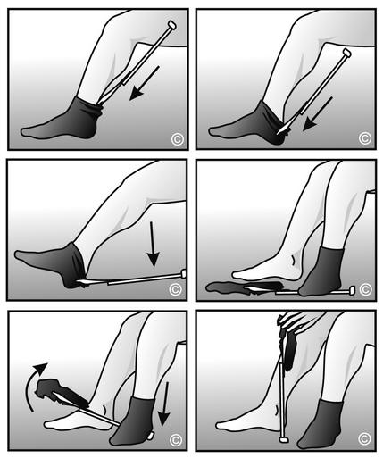 Diapo 6 : Image montrant comment enlever sa chaussette avec le bâtonnet Sock Aid