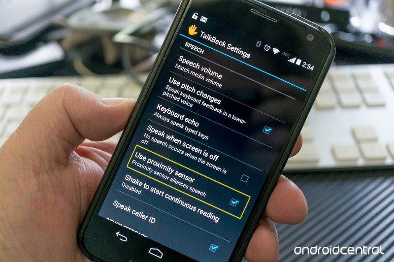 Diapo 3 : Fonctionnalités de l'application TalkBack sur un smartphone