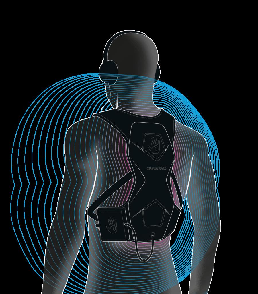 Diapo 4 : Image du gilet Subpac sur le dos d'un mannequin montrant comment le son se diffuse