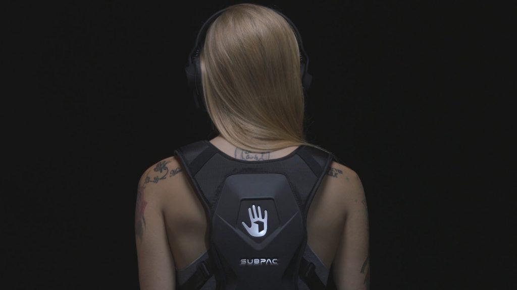 Diapo 2 : photo représentant une fille qui porte le sac subpac