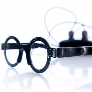 Phot des lunettes Wyes reliées à un boitier