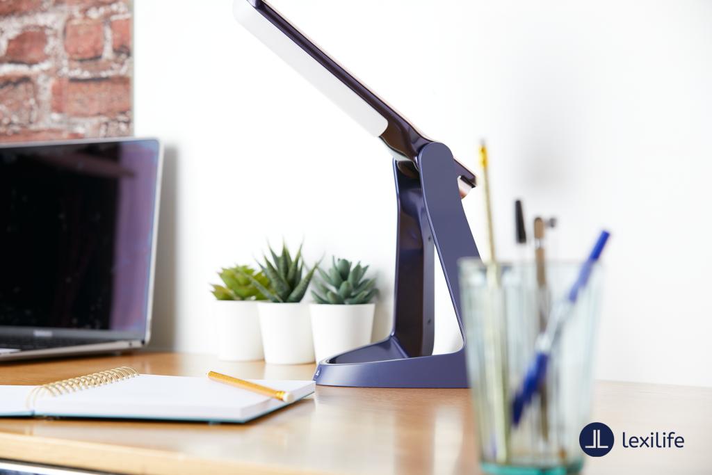 Diapo 4 : photo qui représente la lexilight sur un bureau