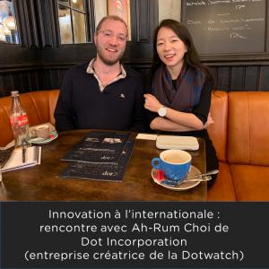 sasaPhoto de Ah-Rum Choi créatrice de la Dotwatch et Samy du Comptoir des Solutions