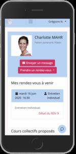 Image de l'application MyCharlotte sur un smartphone montrant le procédé de prise de rendez-vous