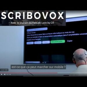 Photo d'une retranscription en direct avec marqué «Scribovox avec le soutien du FabLab Lyon by Gfi»