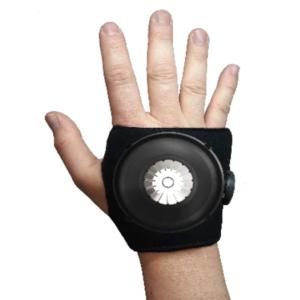 Un main sur un fond blanc portant le dispositif Steadi-Two !